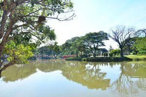 Nong-Krathing-Public-Park-Lampang-Thailand-03.jpg