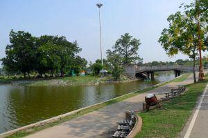 Nong-Prajak-Public-Park-Udonthani-Thailand-02.jpg
