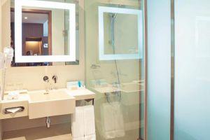 Novotel-Saigon-Centre-Hotel-Ho-Chi-Minh-Vietnam-Bathroom.jpg