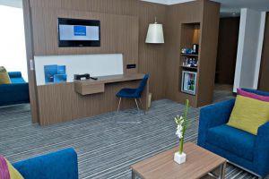 Novotel-Saigon-Centre-Hotel-Ho-Chi-Minh-Vietnam-Suite-Room.jpg