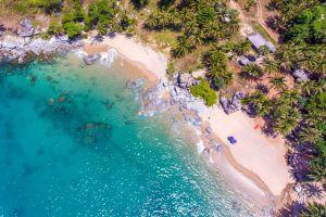 Nui-Beach-Phuket-Thailand-02.jpg