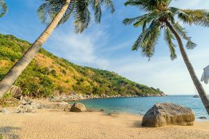 Nui-Beach-Phuket-Thailand-03.jpg