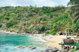 Nui-Beach-Phuket-Thailand-06.jpg
