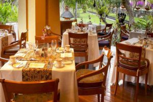 Nusa-Dua-Beach-Hotel-Spa-Bali-Indonesia-Restaurant.jpg