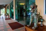 Oasis-Hotel-Chiang-Mai-Thailand-Entrance.jpg