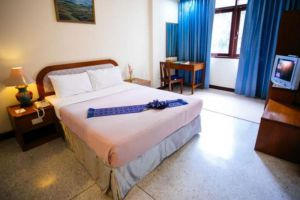 Oasis-Hotel-Chiang-Mai-Thailand-Room.jpg