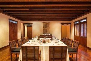Oberoi-Resort-Lombok-Indonesia-Dining-Room.jpg