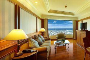 Ocean-Marina-Yacht-Club-Hotel-Pattaya-Thailand-Living-Room.jpg