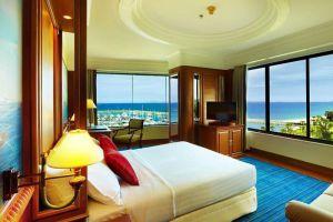 Ocean-Marina-Yacht-Club-Hotel-Pattaya-Thailand-Room.jpg