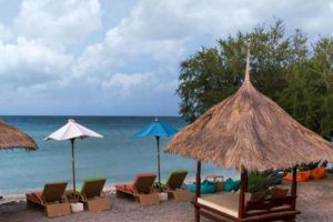 Oceano-Jambuluwuk-Resort-Lombok-Indonesia-Beachfront.jpg