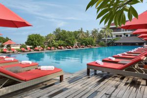 Ombak-Sunset-Hotel-Lombok-Indonesia-Pool.jpg