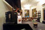 Oxen-Free-Bar-Kitchen-Yogyakarta-Indonesia-02.jpg