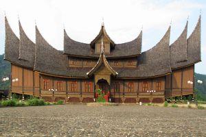 Pagaruyung-Palace-West-Sumatra-Indonesia-003.jpg