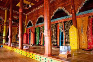 Pagaruyung-Palace-West-Sumatra-Indonesia-005.jpg