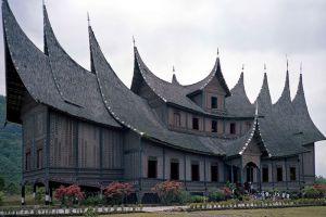 Pagaruyung-Palace-West-Sumatra-Indonesia-007.jpg
