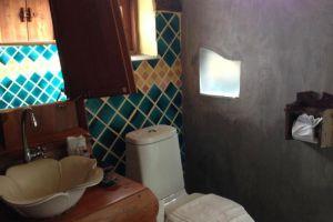 Paivimaan-Resort-Mae-Hong-Son-Thailand-Bathroom.jpg