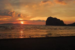 Pak-Meng-Beach-Trang-Thailand-03.jpg