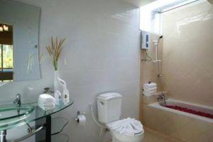 Palm-Paradise-Resort-Krabi-Thailand-Bathroom.jpg