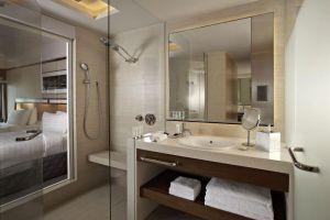 Pan-Pacific-Hotel-Marina-Bay-Singapore-Bathroom.jpg