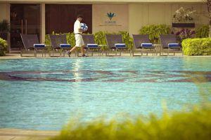 Pan-Pacific-Hotel-Marina-Bay-Singapore-Pool.jpg