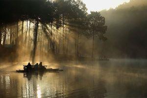 Pang-Oung-Lake-Mae-Hong-Son-Thailand-01.jpg