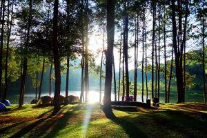 Pang-Oung-Lake-Mae-Hong-Son-Thailand-02.jpg