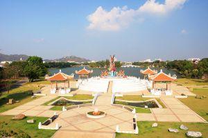 Paradise-Park-Nakhon-Sawan-Thailand-04.jpg