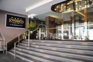 Parc-Sovereign-Hotel-Tyrwhitt-Kallang-Singapore-Entrance.jpg