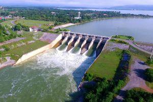 Pasak-Chonlasit-Dam-Lopburi-Thailand-02.jpg