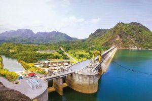 Pasak-Chonlasit-Dam-Lopburi-Thailand-03.jpg