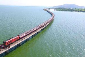 Pasak-Chonlasit-Dam-Lopburi-Thailand-04.jpg