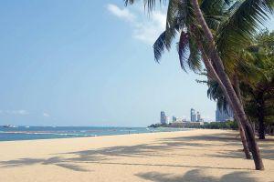 Pattaya-Beach-Chonburi-Thailand-01.jpg