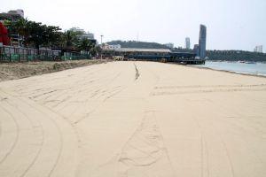 Pattaya-Beach-Chonburi-Thailand-03.jpg