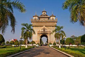 Patuxai-Victory-Monument-Vientiane-Laos-002.jpg