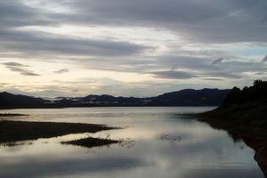 Pedu-Lake-Kedah-Malaysia-004.jpg