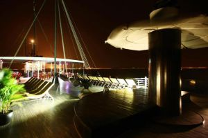 Pelican-Cruise-Halong-Vietnam-Deck.jpg