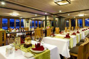 Pelican-Cruise-Halong-Vietnam-Restaurant.jpg