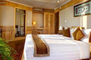 Pelican-Cruise-Halong-Vietnam-Room.jpg
