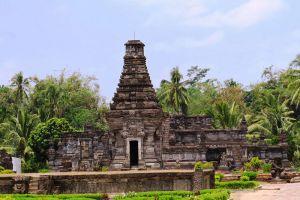 Penataran-Hindu-Temple-Complex-East-Java-Indonesia-001.jpg