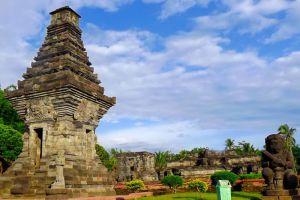 Penataran-Hindu-Temple-Complex-East-Java-Indonesia-004.jpg