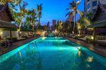 Peninsula-Hotel-Bangkok-Thailand-Pool.jpg