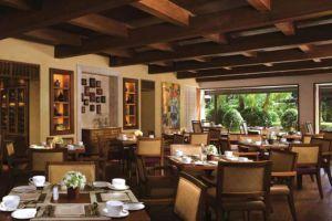Peninsula-Hotel-Manila-Philippines-Restaurant.jpg