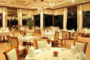 Petchvarin-Resort-Petchaburi-Thailand-Restaurant.jpg