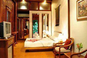 Petchvarin-Resort-Petchaburi-Thailand-Room.jpg