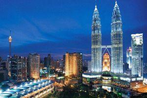 Petronas-Twin-Towers-Kuala-Lumpur-Malaysia-001.jpg