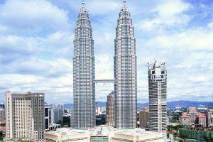 Petronas-Twin-Towers-Kuala-Lumpur-Malaysia-002.jpg