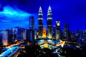 Petronas-Twin-Towers-Kuala-Lumpur-Malaysia-003.jpg