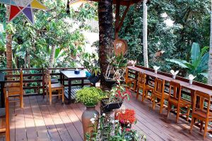 Pha-Khao-Lao-Restaurant-Luang-Prabang-Laos-02.jpg