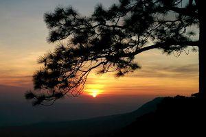 Pha-Lom-Sak-Loei-Thailand-04.jpg