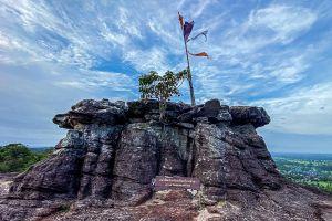 Pha-Luang-Waterfall-Forest-Park-Ubon-Ratchathani-Thailand-05.jpg